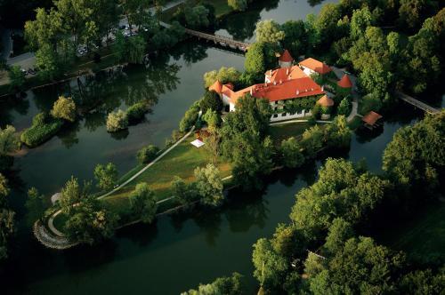 Grajska cesta 2, 8222 Otočec, Slovenia.