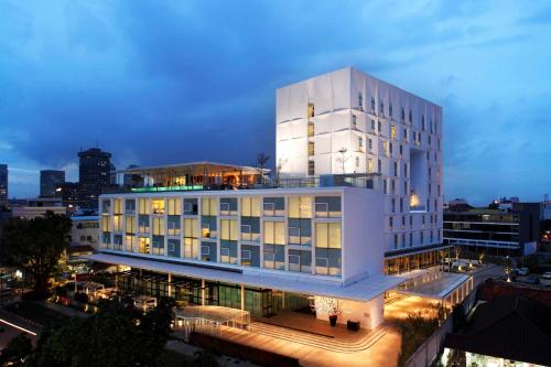 . Morrissey Hotel Residences