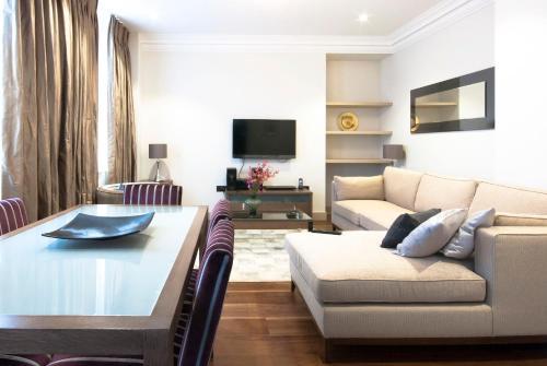 Claverley Court Apartment Knightsbridge photo 34