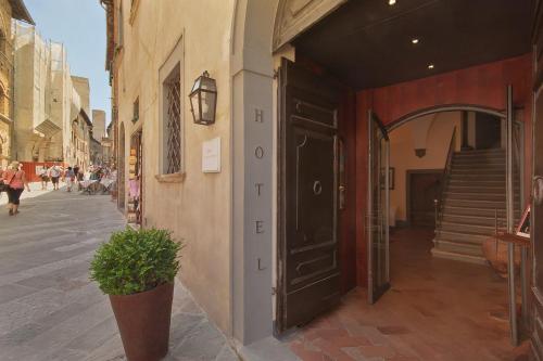 . Hotel L'Antico Pozzo