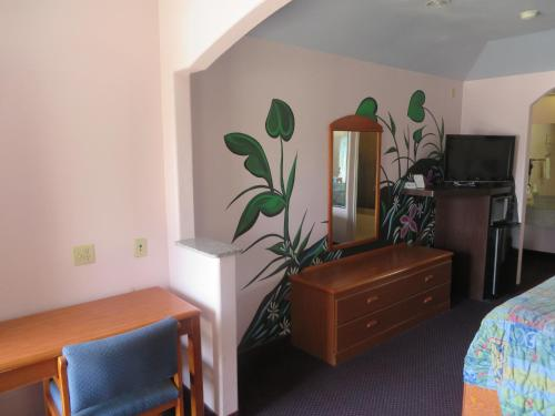 . Travelers Inn and Suites Liberty