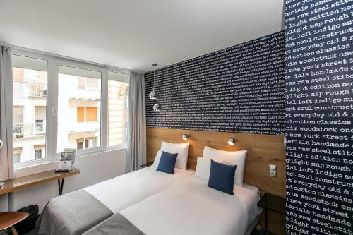 Roombach Hotel Budapest Center photo 12