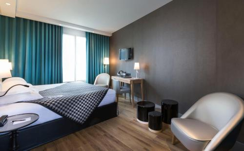 Quality Hotel Acanthe - Boulogne Billancourt photo 33