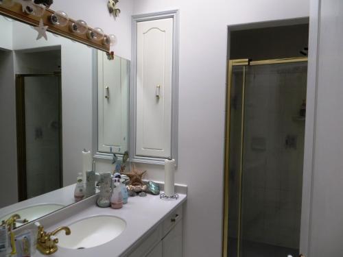Elevate Rooms Calla's Palace - Jasper, AB T0E 1E0