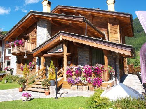Hotel Letterario Locanda Collomb La Thuile