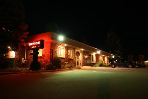 . Bangor Inn & Suites