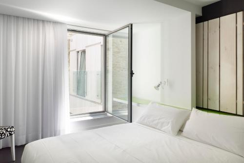 Double or Twin Room Moure Hotel 16