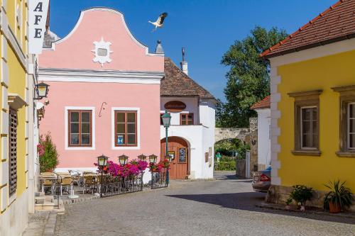 . unser rosa Haus für Sie