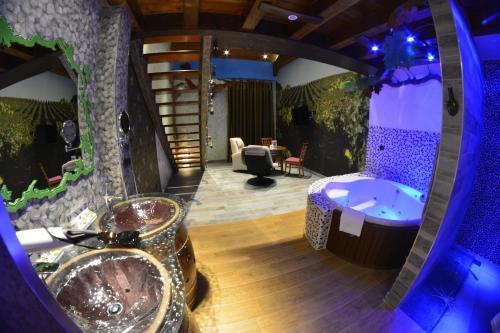 Superior Suite - single occupancy Hotel el Lagar de Isilla 3