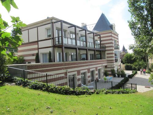 . Villa Régina