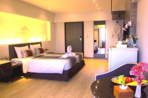 Nouvo City Hotel photo 11