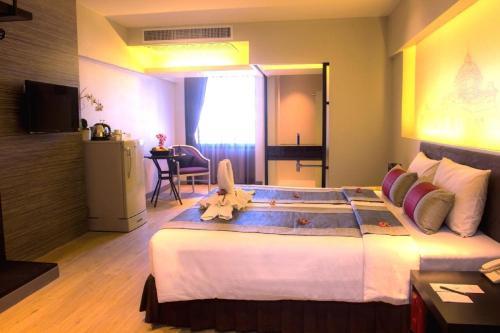 Nouvo City Hotel photo 12