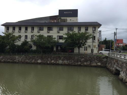 . Jonai Hotel