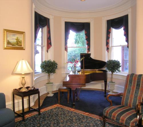 Swann House - Washington, DC 20009