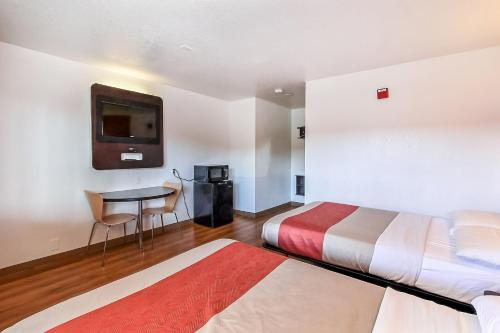 Motel 6 San Jose South - San Jose, CA 95121
