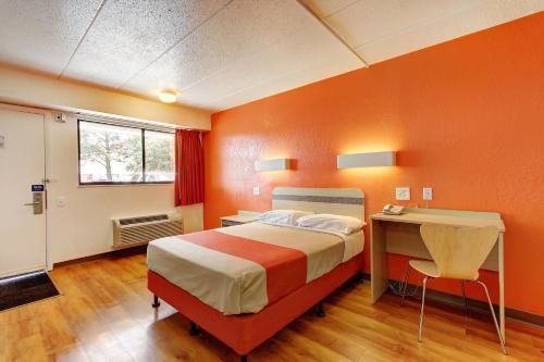 Motel 6 York - York, PA 17402