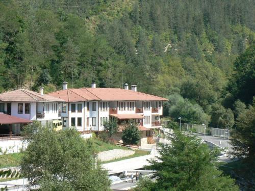 __{offers.Best_flights}__ Fisherman's Hut Family Hotel