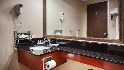 Best Western Plus Augusta Civic Center Inn - Augusta, ME 04330