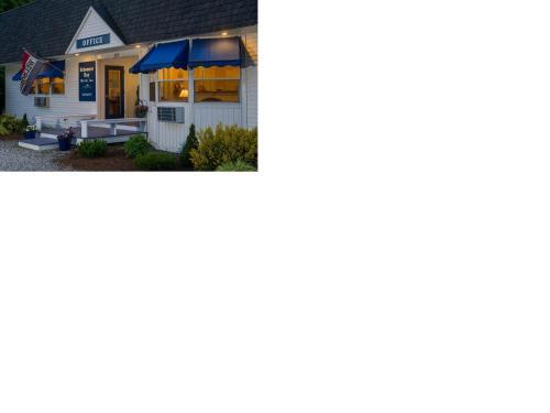 . Schooner Bay Motor Inn