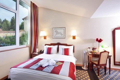 Hôtel aux Remparts room photos