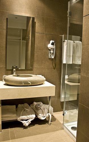 Special Gold Double Room Villa Nazules Hípica Spa 18