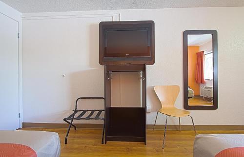 Motel 6 East Brunswick - East Brunswick, NJ