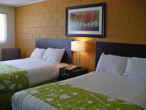 Westgate Inn - Portage La Prairie, MB R1N 0K1