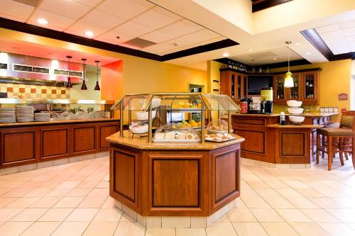 Hilton Garden Inn Indianapolis/Carmel - Carmel, IN 46032