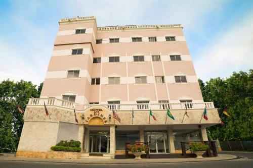 . Hotel Los Jardines
