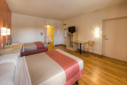 Motel 6 New London - Niantic - Niantic, CT 06357