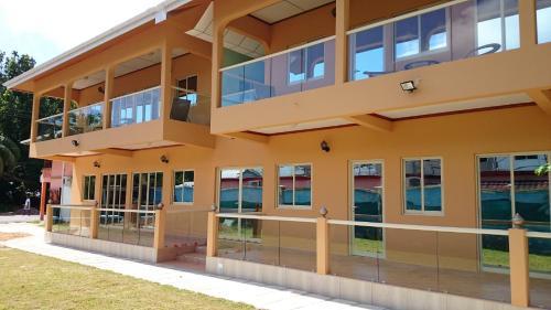 Villa Bedier Self-Catering Apartments - Baie Sainte Anne