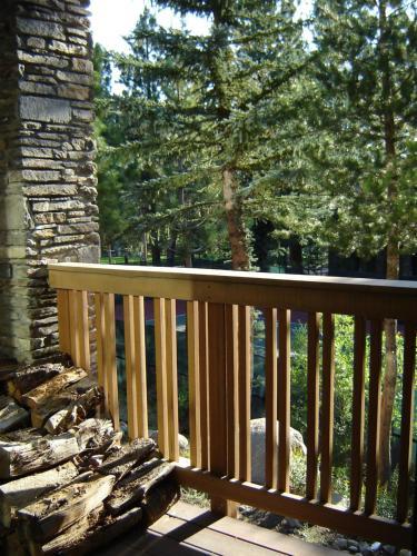Summit Ski Resort Vacation Rental - Mammoth Lakes, CA 93546