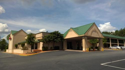 Ramada By Wyndham & Suites Warner Robins