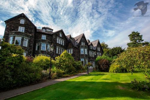 . Derwent Manor Apartments