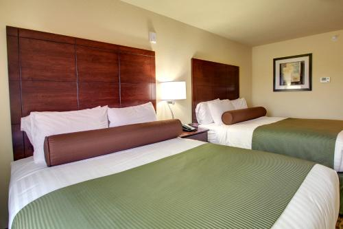 Cobblestone Hotel & Suites - Charlestown - Charlestown, IN 47111