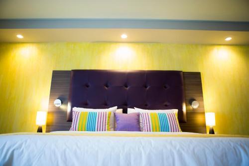 Kinam Hotel фото номерів