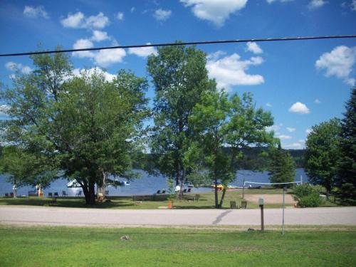 Lakewoods Cottage Resort.  Photo 1
