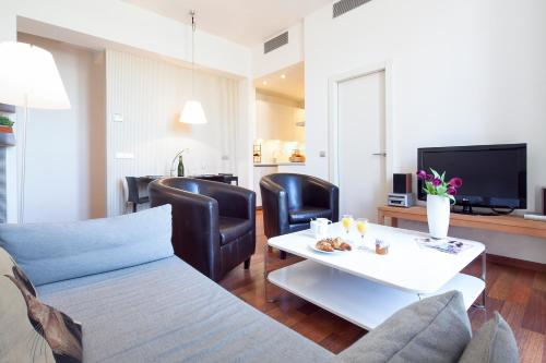 Inside Barcelona Apartments Mercat photo 25