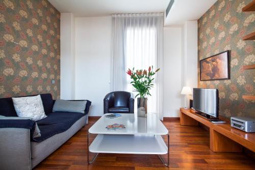 Inside Barcelona Apartments Mercat photo 30
