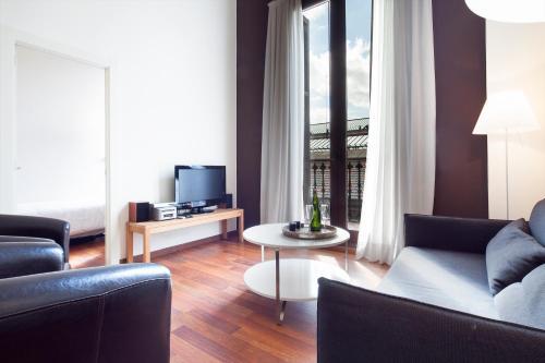 Inside Barcelona Apartments Mercat photo 46