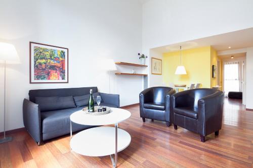 Inside Barcelona Apartments Mercat photo 47