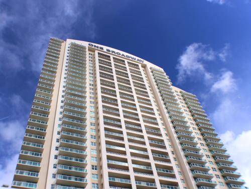 Dharma Home Suites Brickell Miami At One Broadway - Miami, FL 33130