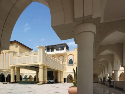 Shangri-La Residences Qaryat Al Beri photo 21