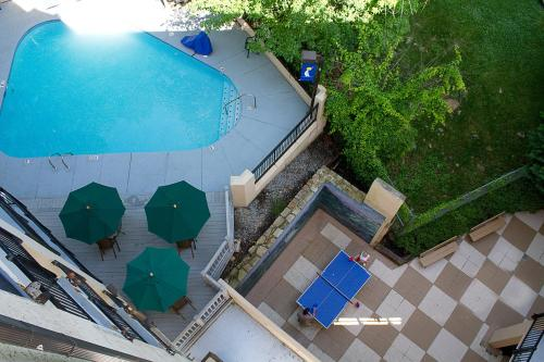 Gatlinburg Town Square By Exploria Resorts - Gatlinburg, TN 37738
