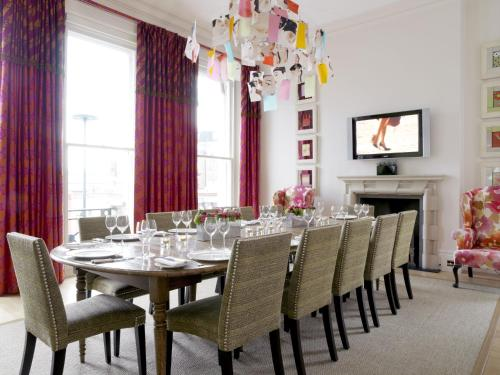15 Cromwell Place, South Kensington, London, SW7 2LA, England.