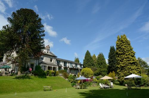 Clare House Hotel (with B&B)