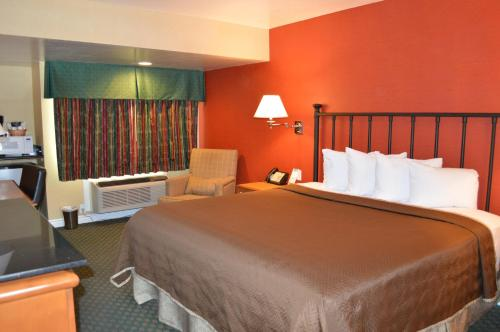 Travelodge By Wyndham San Diego Downtown Convention Center - San Diego, CA 92113