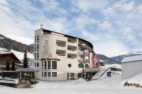 Hotel Neue Burg Nauders