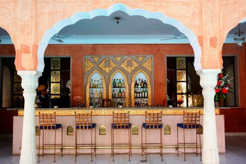 Gangapole, Jaipur, 302002, India.