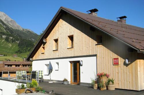 Haus Gaudenz Warth